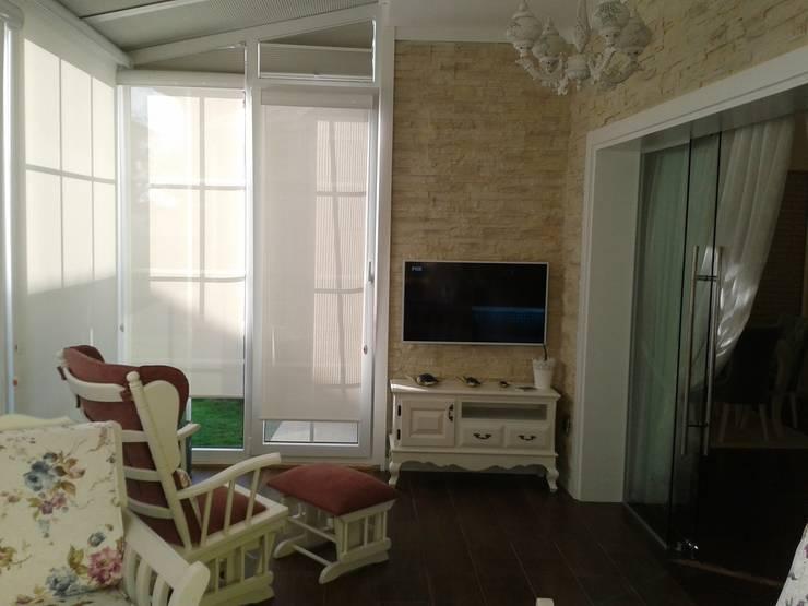 Vizyon Mimarlık ve Dekorasyon – Ş&T.Ü  Evi / Kırklareli:  tarz Balkon, Veranda & Teras