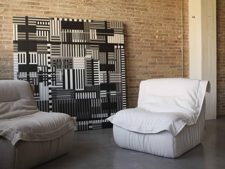 DRAP by Oruga (Grupo Temas V): Salones de estilo moderno de ORUGA