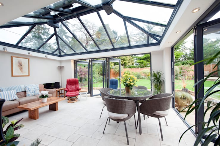 Modern Garden Room: modern Conservatory by ROCOCO