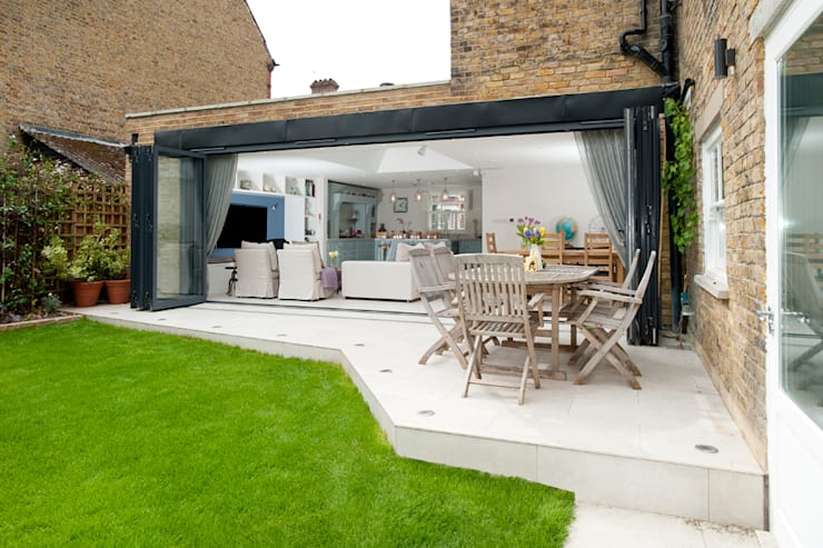 Clapham, SW4:  Houses by Build Team