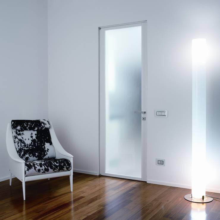 Fenêtres & Portes de style  par PIETRELLI PORTE