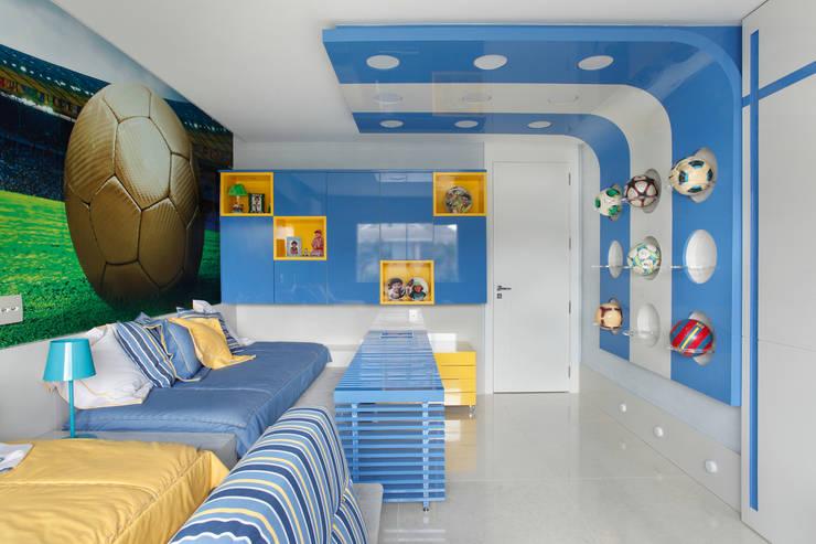 Nursery/kid's room by Leila Dionizios Arquitetura e Luminotécnica