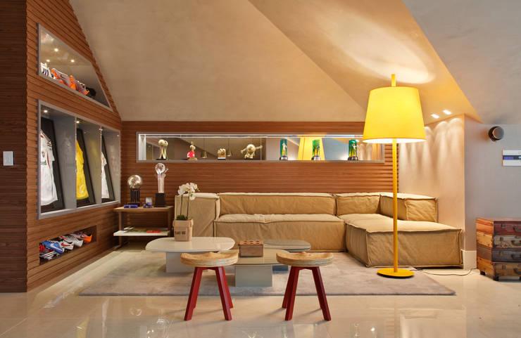 Arquitetura Residencial | Casa de luxo na Barra da Tijuca: Terraços  por Leila Dionizios Arquitetura e Luminotécnica