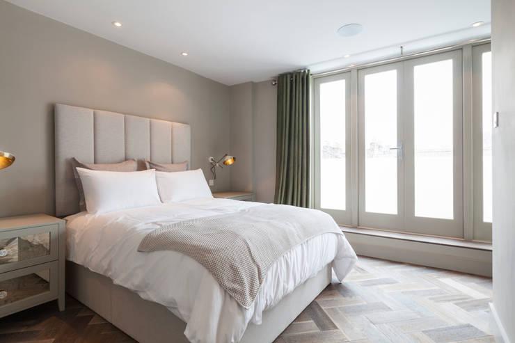 Bedroom :  Bedroom by Studio Duggan