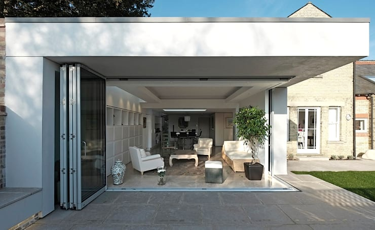 Astor House: modern Houses by NRAP Architects