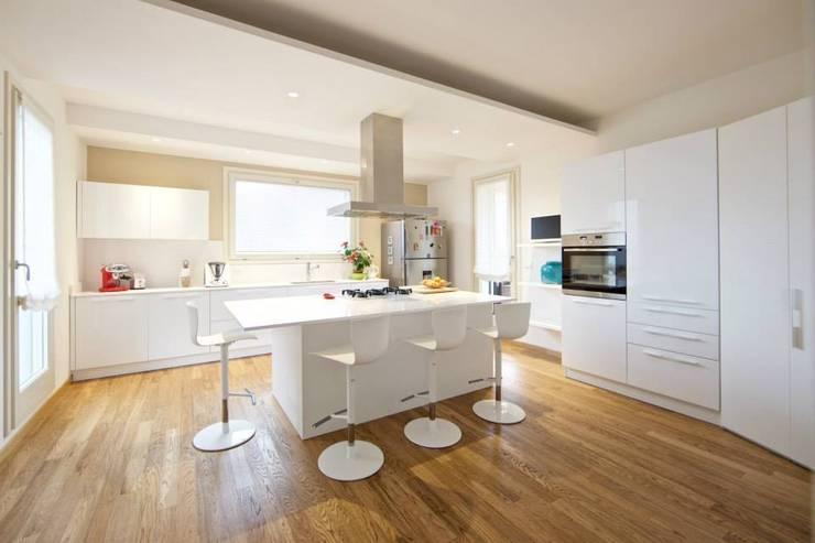 Pro e Contro dell\'Isola da Cucina: Giusto Averla in Casa?