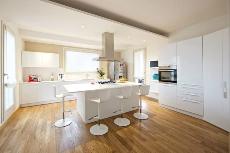 Cocinas de estilo  por Modularis Progettazione e Arredo