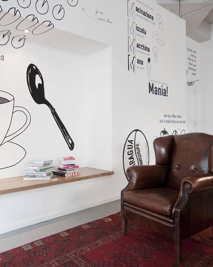 Zitnis :  Bars & clubs door ontwerpplek, interieurarchitectuur, Modern
