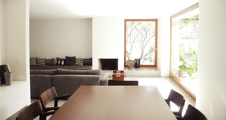 Casa Rath: Salas de estar  por SAO Arquitetura