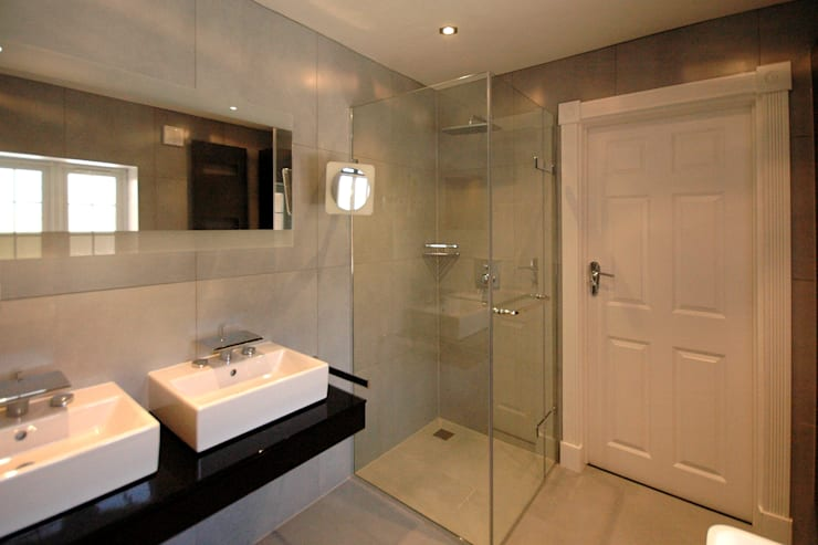 Contemporary Bathroom:  Bathroom by David Carrier Bathrooms
