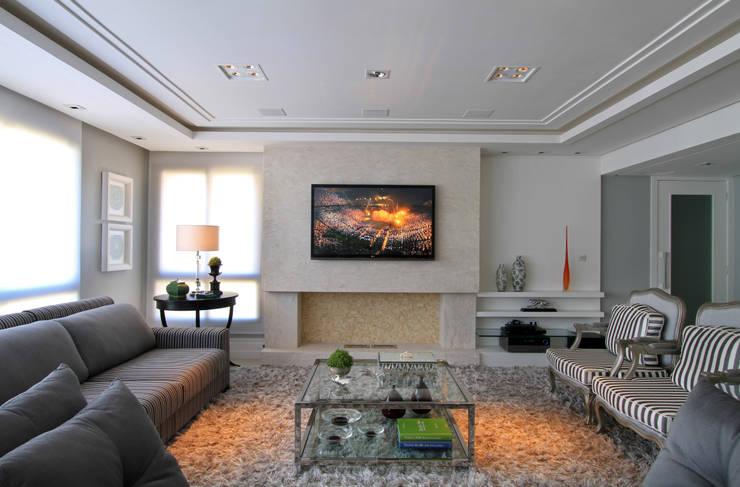 Salas de estilo moderno de Francisco Humberto Franck Moderno