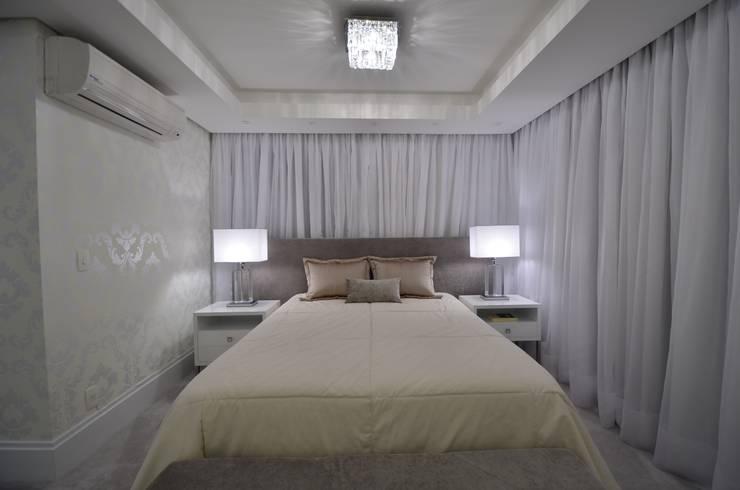 Dormitorios de estilo  de Francisco Humberto Franck,