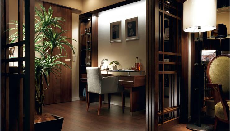 穏やかな時間の流れる住処: STUDIO AZZURROが手掛けた和室です。