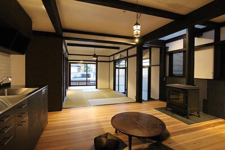 安井正/クラフトサイエンス:  tarz Oturma Odası