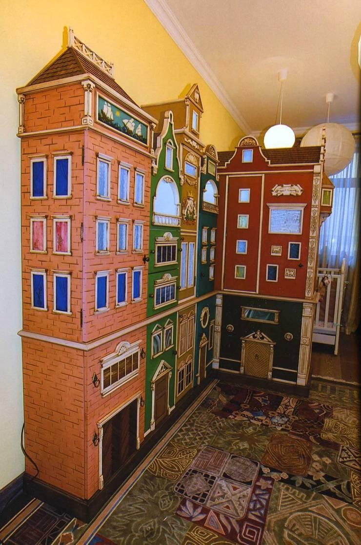 Детский шкаф в виде голландских домиков: Детская комната в . Автор – Мебельная мастерская Александра Воробьева
