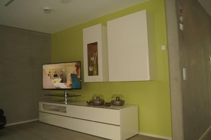 Wohnraum / Bild 1: moderne Wohnzimmer von Karl Bachl GmbH & Co. KG