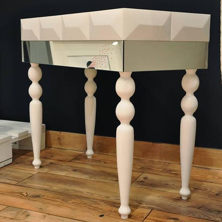konsola z lustrami : styl , w kategorii Korytarz, hol i schody zaprojektowany przez ACOCO DESIGN