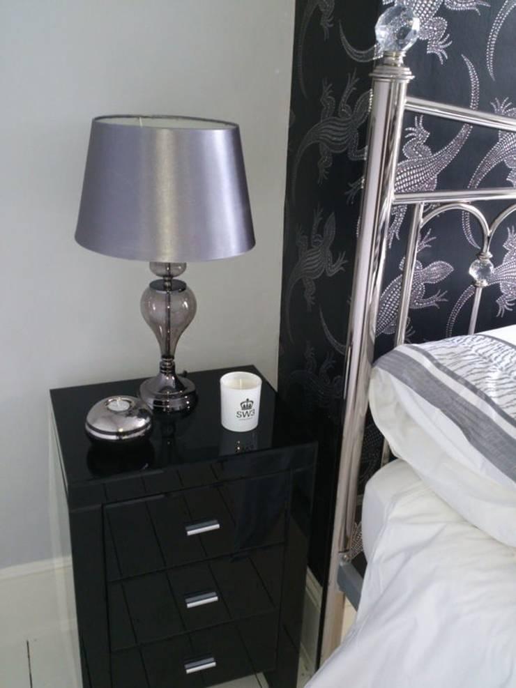 Bedroom:  Bedroom by Kerry Holden Interiors