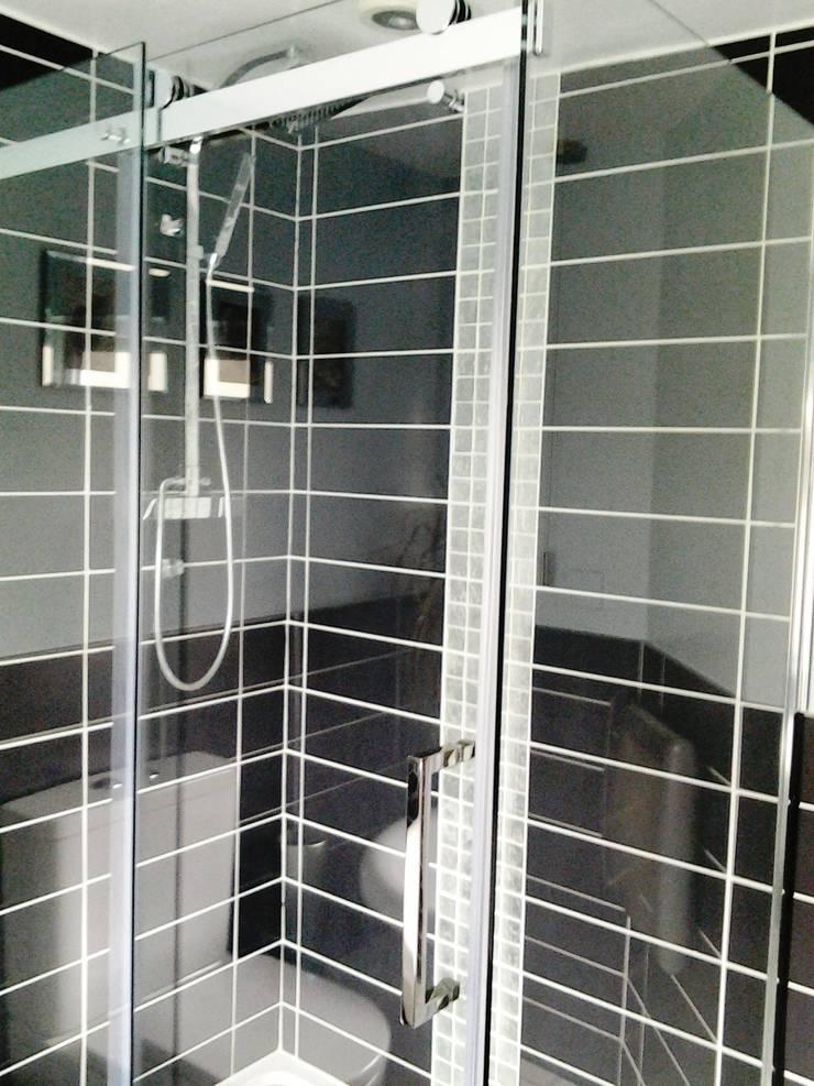 Bathroom :  Bathroom by Kerry Holden Interiors,