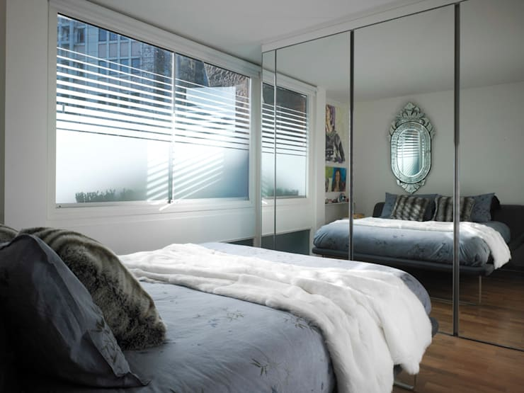 Apartment H: modern Bedroom by Mackay + Partners