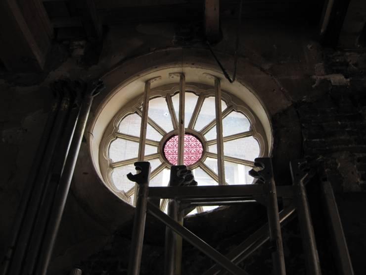 Oud raam weer open gemaakt :  Winkelruimten door Axel Grothausen BNI
