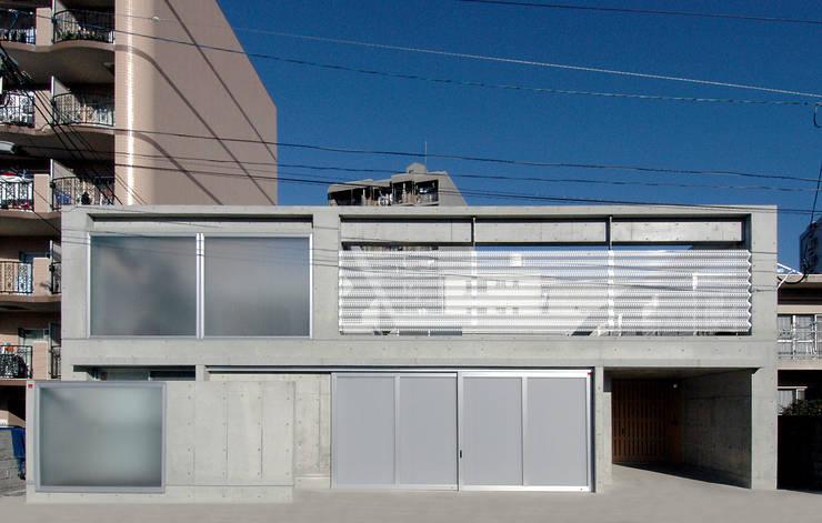 W邸: 長谷雄聖建築設計事務所が手掛けた家です。
