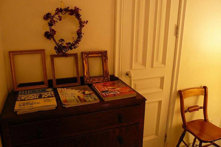 ベッドルーム: VINTAGE-RENOVATION by masuoka-designが手掛けた寝室です。