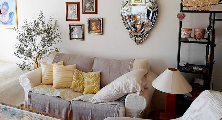 リビングルーム: VINTAGE-RENOVATION by masuoka-designが手掛けた壁です。
