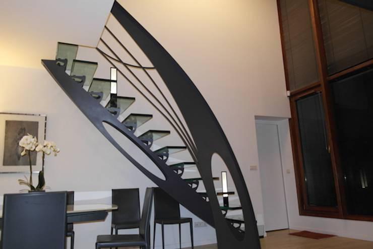 Escalier en verre: Art de style  par Snbv - Bruge Valé