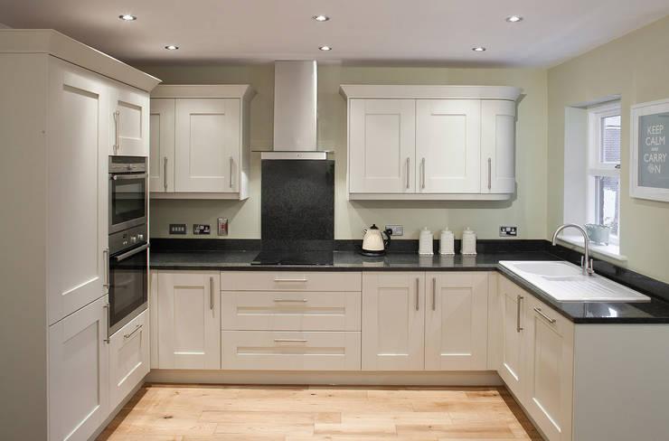 Shaftoe Cresent, Hexham:  Kitchen by MWE Architects