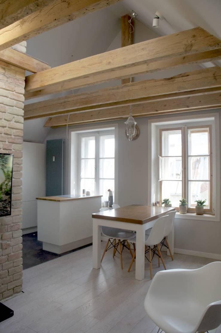 Moje mieszkanie: styl , w kategorii Jadalnia zaprojektowany przez Anna Wrona,