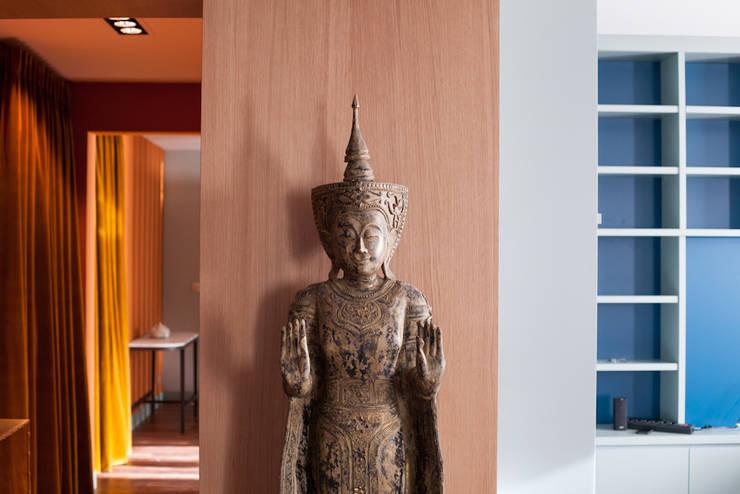 asiatische Wohnzimmer von Jean-Bastien Lagrange + Interior Design