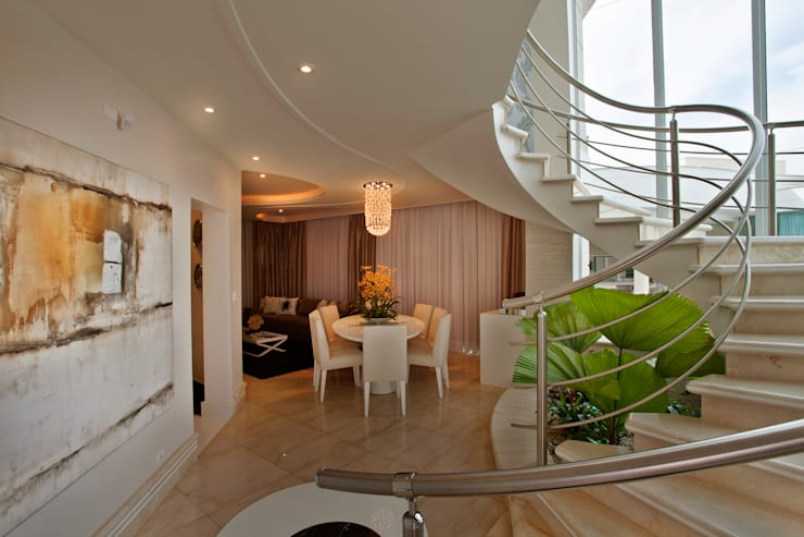 Casa Parque: Salas de estar  por Designer de Interiores e Paisagista Iara Kílaris