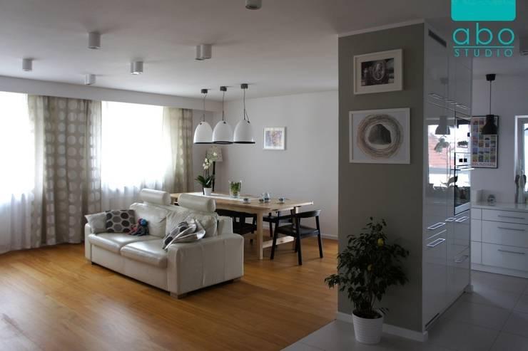 apartament Polanka: styl , w kategorii Salon zaprojektowany przez abostudio,Nowoczesny
