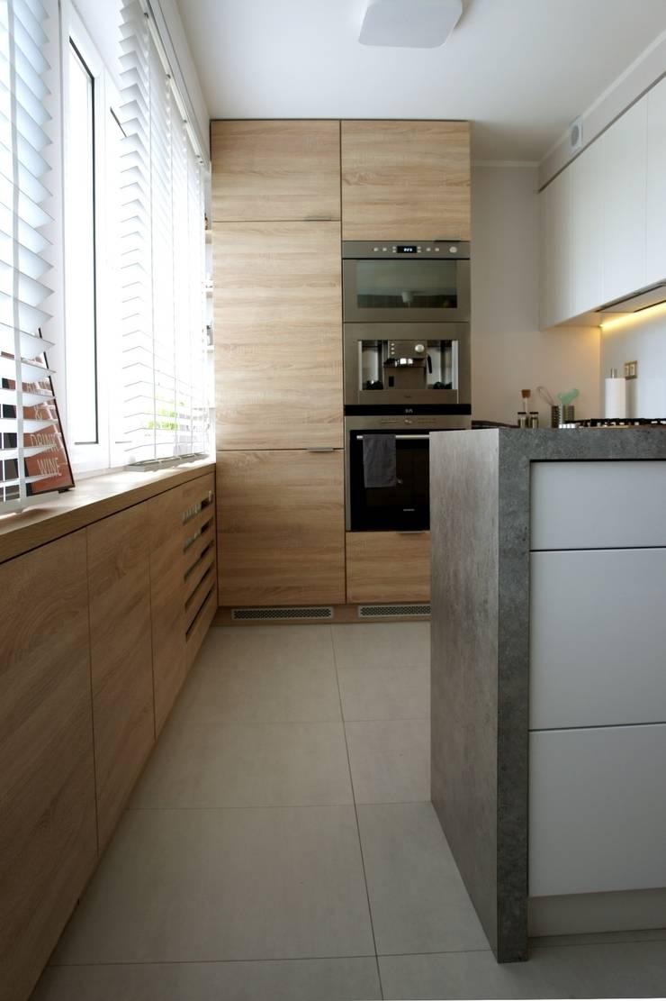 wielka płyta Płock – kuchnia i łazienka: styl , w kategorii Kuchnia zaprojektowany przez abostudio