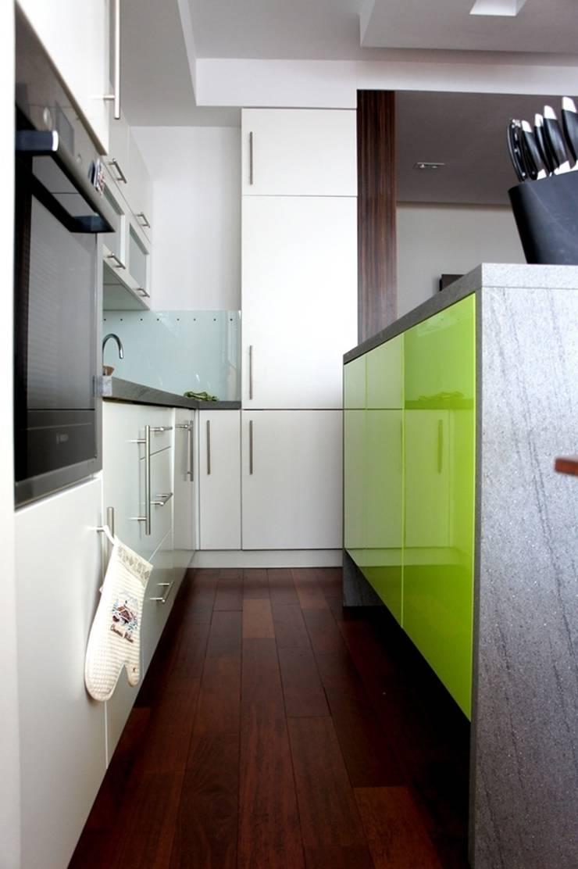 apartament Kościelna Poznań: styl , w kategorii Kuchnia zaprojektowany przez abostudio