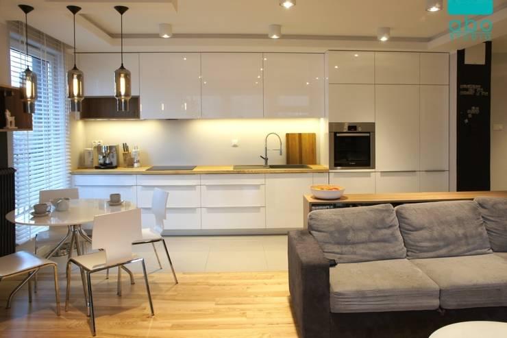 apartament Płock: styl , w kategorii Kuchnia zaprojektowany przez abostudio