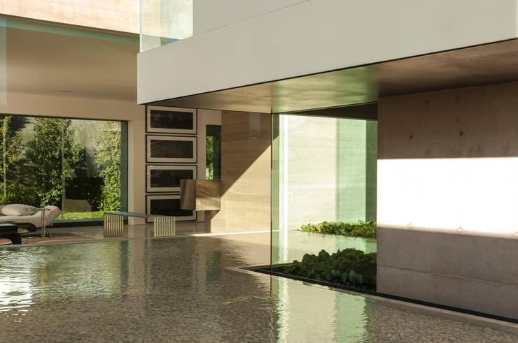 Koridor dan lorong oleh Gantous Arquitectos, Modern