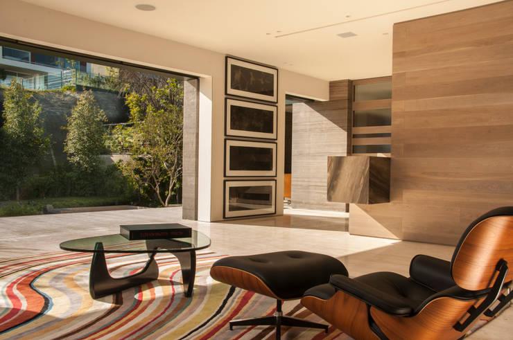Salones de estilo  de Gantous Arquitectos, Moderno