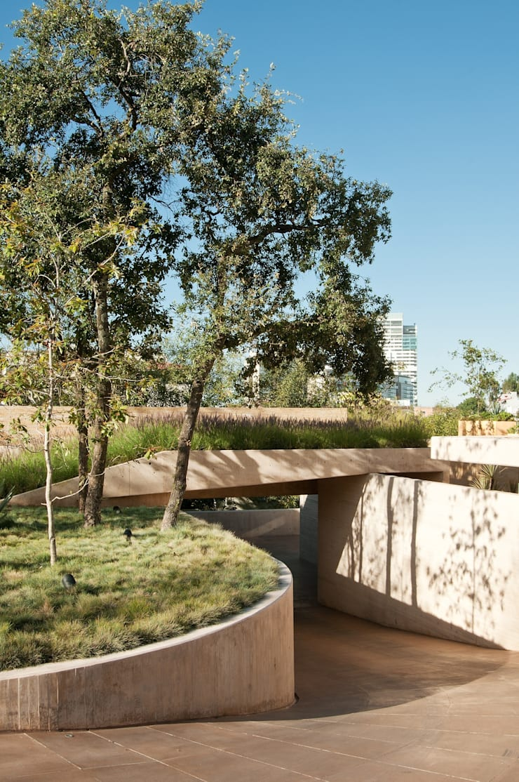 Casa AV: Jardines de estilo  por Gantous Arquitectos