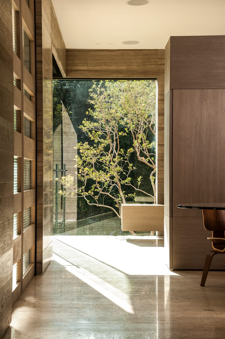 Puertas de entrada de estilo  de Gantous Arquitectos, Moderno