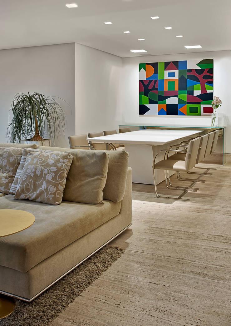 Sala de jantar: Salas de jantar  por Fernanda Sperb Arquitetura e interiores