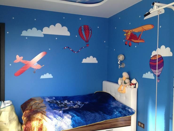 Облака и самолеты в детской комнате: Детские комнаты в . Автор – 33dodo, Эклектичный