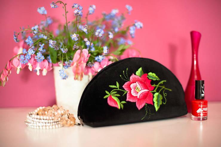 Kosmetyczki haftowane: styl , w kategorii Sypialnia zaprojektowany przez Folkstar