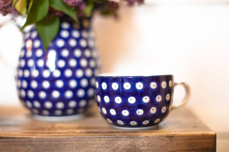 Ceramika Bolesławiec - groszki: styl , w kategorii Jadalnia zaprojektowany przez Folkstar