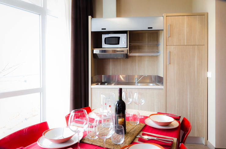 Privilege Apartments: Cucina in stile  di PROJECT AB