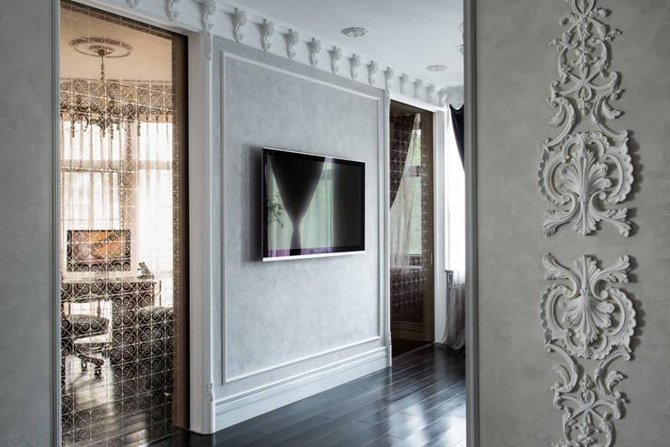 Гармония стилей: Прихожая, коридор и лестницы в . Автор – Premier Dekor