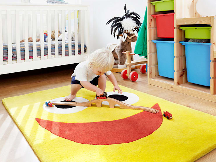 Laughing Larry: modern Nursery/kid's room by The Land of Zug