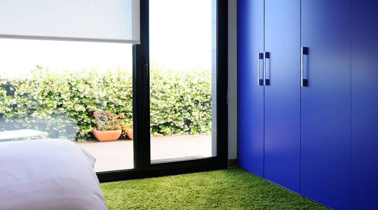 Diseño de interiores de vivienda: Dormitorio: Dormitorios de estilo  de LaMarta interiorismo