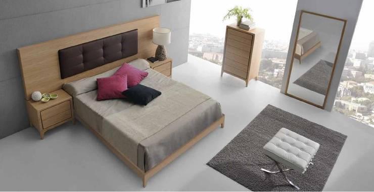 OPTIMUM : Dormitorios de estilo  de Muebles Nogal Yecla, S.L.